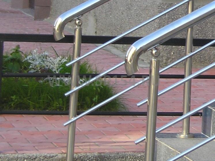 Лестницы и перила из нержавеющей стали