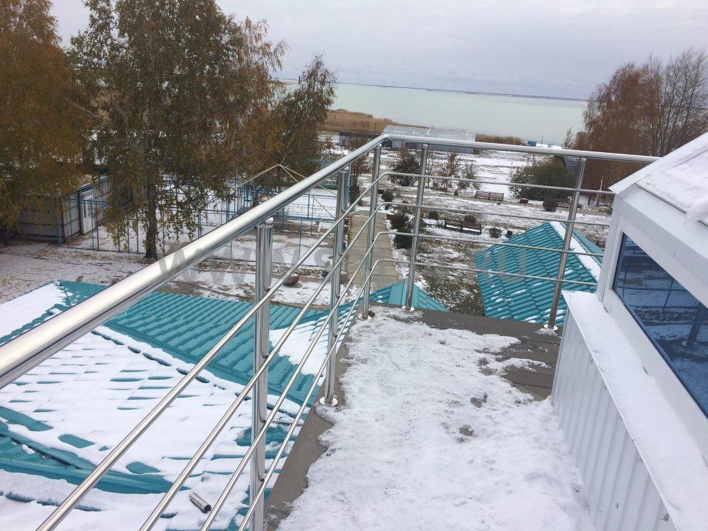Бухта Лазурная; - Лестницы и перила из нержавеющей стали